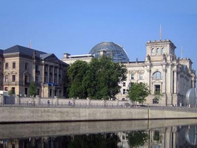 Ehemaliges Reichstagspräsidentenpalais  Umbau für die Deutsche Parlamentari