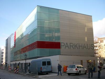 Errichtung eines Parkhauses mit 192 automatischen Stellplätzen Metzer Straß