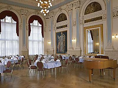 Königsvilla mit Ballsaal Parkhotel Bad Schandau